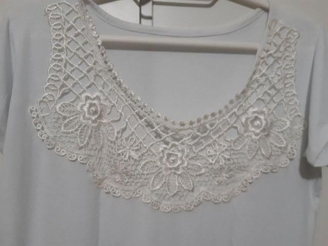 Blusa branca com renda - Foto 2