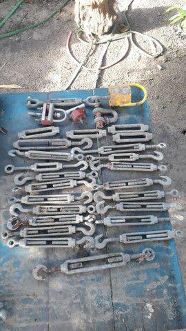 Esticador de cabos de aço