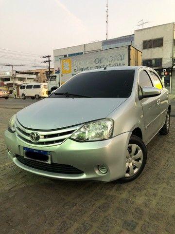 Toyota etios 1.3X completão  - Foto 2