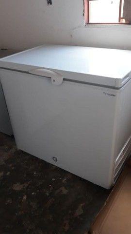 Freezer fricon 311 litros horizontal uma porta