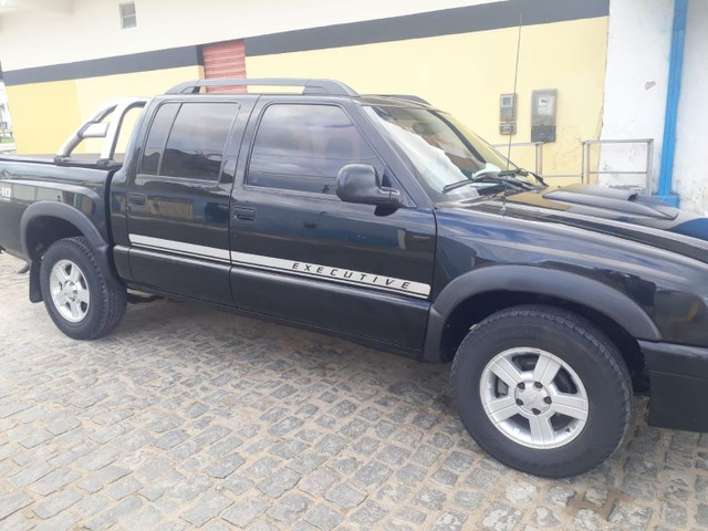 GM S10 Advantage 2009/10. Preta.
