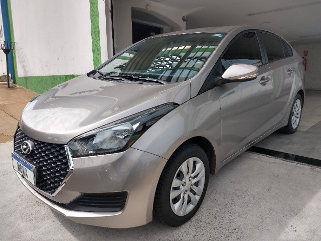 Hyundai HB20S Comfort Plus 1.6 Flex Automático 2019 - 27.481 Km / Garantia Fábrica 11/2023 - Foto 3