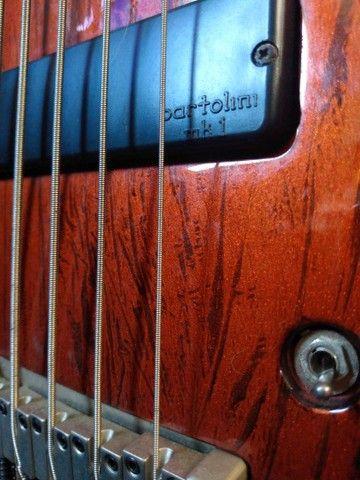 Baixo Cort Curbow 5 cordas ativo + Bartolini + Case - Foto 4