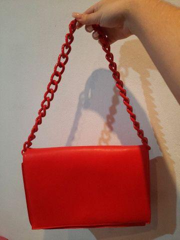 Bolsa vermelha forever 21