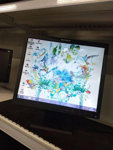 """Monitor 17"""" quadrado"""