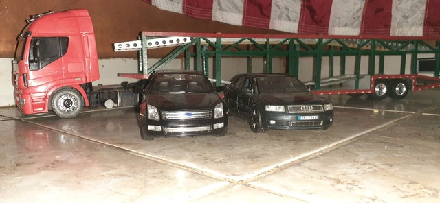 Cegonheira e ford fusion miniatura audi - Foto 3