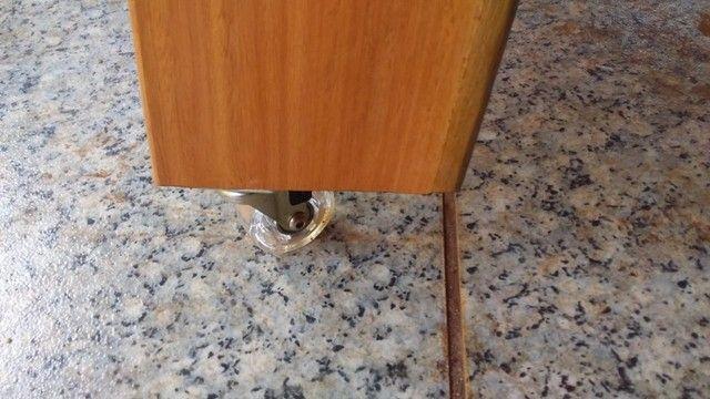 Mesa com bancos fixos - Foto 6
