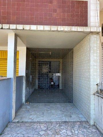 Apartamento com Cômodos Amplos. - Foto 2