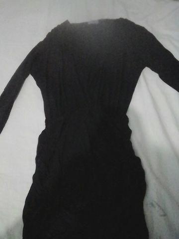 Vestido manga longa colado