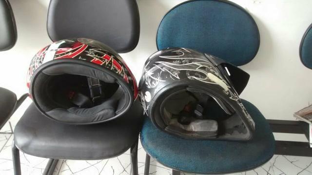 Vende_se esses dois capacetes todo bom