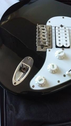 Guitarra Eagle STS 002 + Case - Foto 3