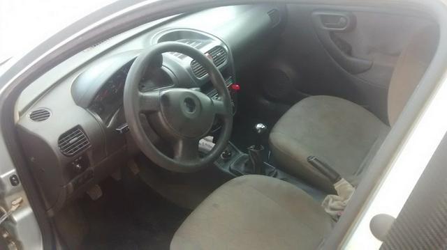 Corsa Hatch 1.0 - Foto 2