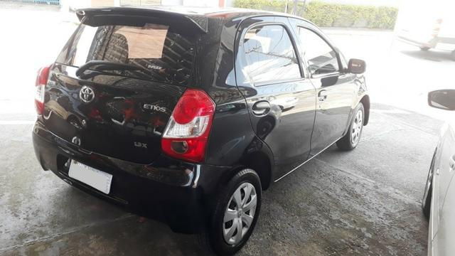 Toyota Etios 1.3 X hatch 2013/13 novo - Foto 3
