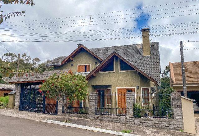 Terreno com duas casas em Gramado