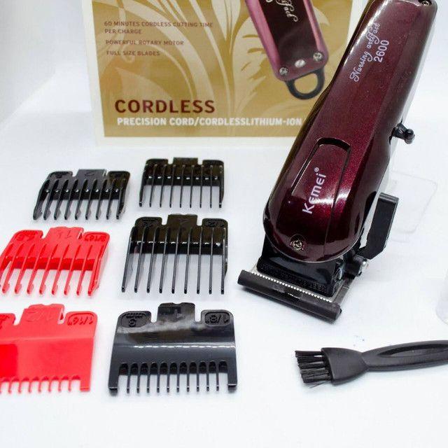 ?Máquina de Cortar Cabelo Profissional Sem Fio Kemei 2600 Hairclipper<br>