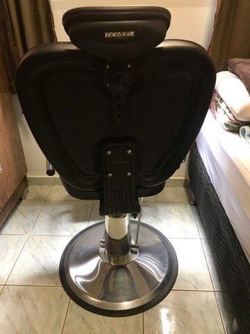 Cadeira para salão/ barbearia Dompel - Foto 3