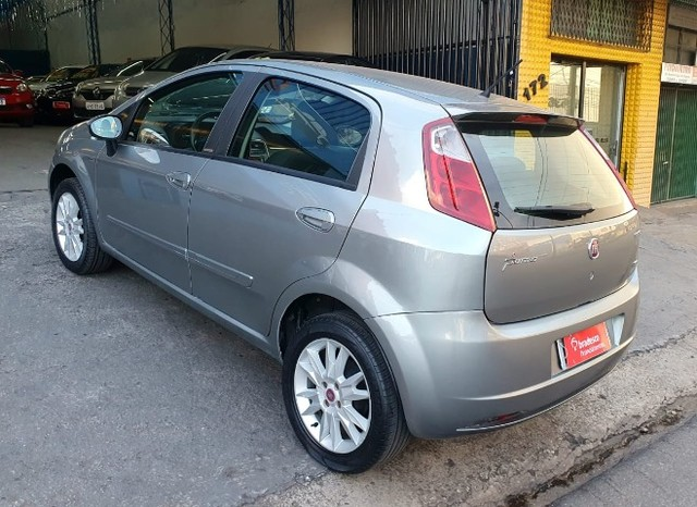 Fiat Punto Essence 1.6 2011 - Foto 6