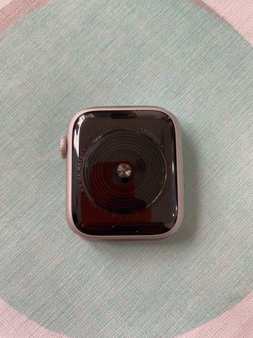 Apple Watch SE 44mm prata - Foto 4