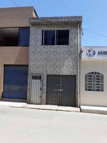 Vende-se uma casa na avenida no Ibura (27 de novembro)