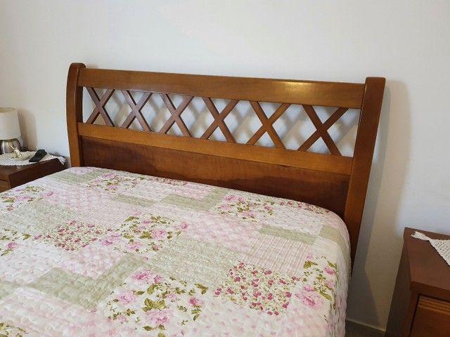 Cama madeira maciça casal + colchão Viscomemory Ortobom.