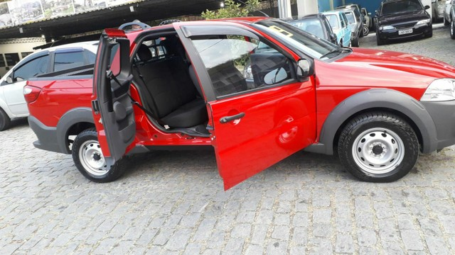 Fiat Strada Cabine Dupla, 3 portas, pouco rodada - Foto 7