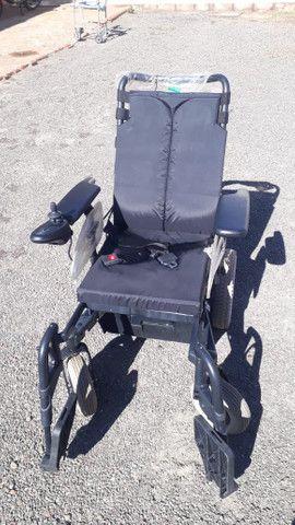 Cadeira de Rodas Motorizada Eletrica SEMI NOVO  - Foto 2