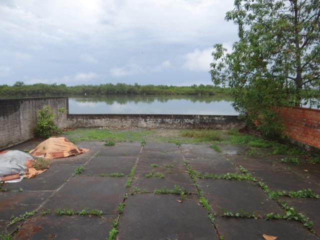 Casa fundos com a lagoa, ideal p/ quem tem lancha e jet ski - Foto 2