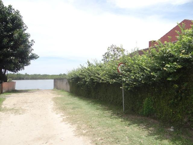 Casa fundos com a lagoa, ideal p/ quem tem lancha e jet ski - Foto 8