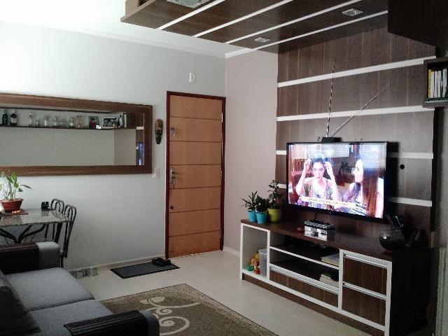 Lindo apartamento com móveis embutidos
