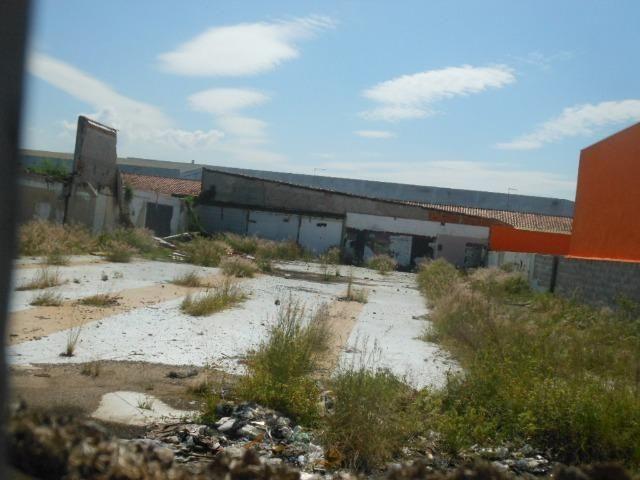 (Genival) Alugo Terreno 1000 m² + Construção - Plano em Avenida Comercial - Foto 2