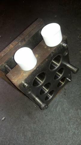 2 moldes de injeção de plásticos