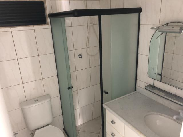 Apartamento 2/4 com dependência, reversível 3/4, localizado - Foto 3