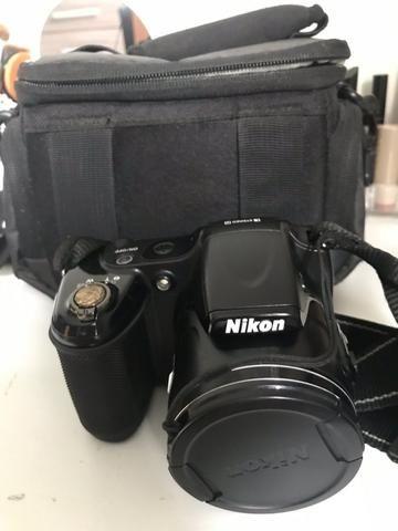 Câmera digital Nikon Coolpix Preta 3 anos de uso
