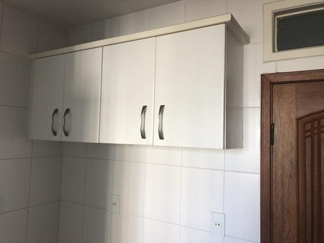 Apartamento 2/4 com dependência, reversível 3/4, localizado - Foto 8