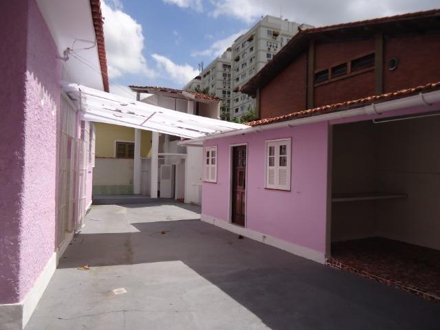 Ótima casa linear centro de terreno com 450 metros quadrados - Foto 18