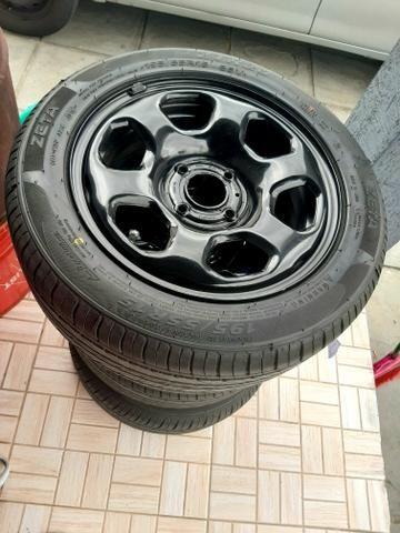 4 Pneus 195/55r15 e rodas de ferro da eco esporte - Foto 2