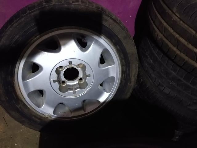 Rodas 15 de liga citroen 4 furos com pneus bons
