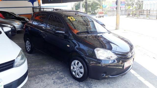 Toyota Etios 1.3 X hatch 2013/13 novo - Foto 2