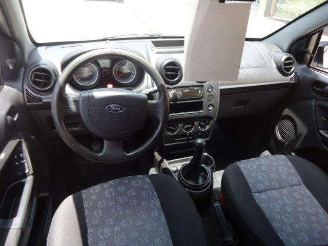 Ford Fiesta Hatch 1.0 8v Flex Prata 4 Portas Completo - Foto 8