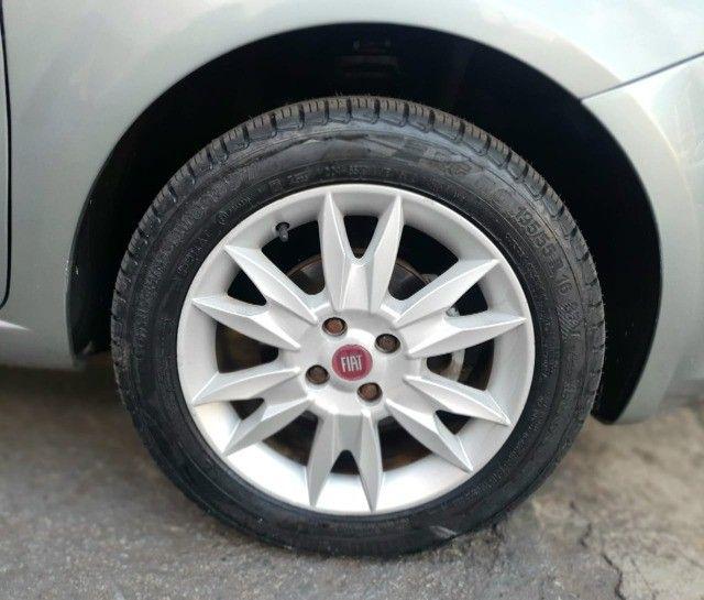 Fiat Punto Essence 1.6 2011 - Foto 11
