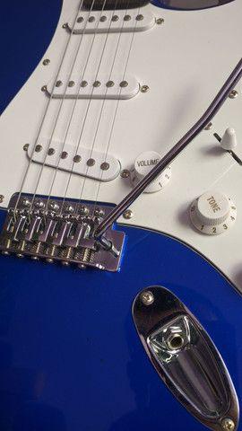 Guitarra Memphis MG32 semi nova - Foto 2
