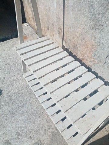 Arara de madeira usada.  - Foto 2