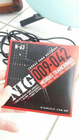 Guitarra em ótimo estado usadas pouquíssimas vezes com kit - Foto 4