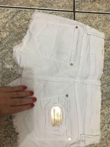 Shorts colcci branco num 38 - Foto 4