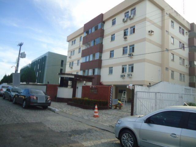 Apartamento na Torre, com 116m². contendo: 3quartos, suíte, wc, 2 salas, cozinha, elevador