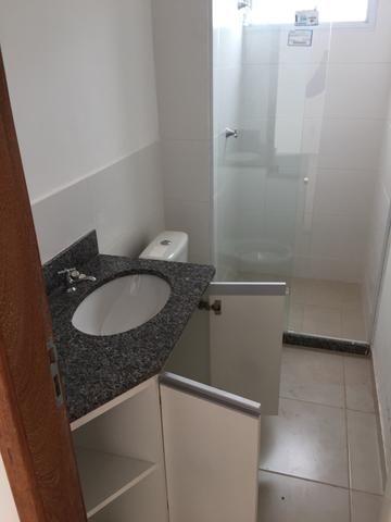Alugo Apartamento 2 quartos, sala, cozinha, vaga de garagem - Foto 6