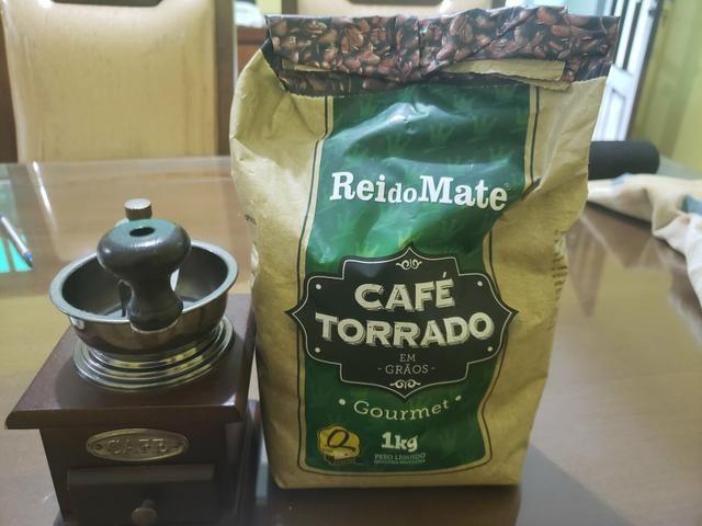 Moedor de café + café gourmet torrado em grãos