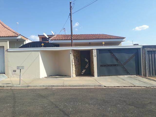 Vendo ou troco casa R$450.000,00 (esta alugada ) - Foto 2