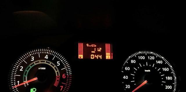 Clio Hatch 2014 4 portas 1.0 flex economico uber e 99 - Foto 14