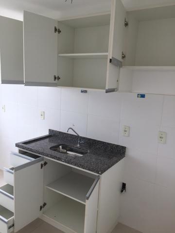 Alugo Apartamento 2 quartos, sala, cozinha, vaga de garagem - Foto 4